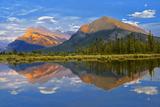 Canada, Alberta, Banff National Park. Mt. Rundle and Sulphur Mountain reflection in Vermillion Lake Fotoprint van Jaynes Gallery
