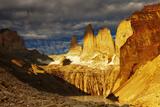 Towers at Sunrise, Torres Del Paine National Park, Patagonia, Chile Fotografisk trykk av  DmitryP