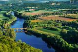 Medieval Bridge over the Dordogne River Perigord France Fotografisk trykk av  OSTILL