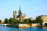Notre Dame De Paris Carhedral on the La Seine Riversid Fotografisk trykk av  OSTILL