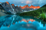 Moraine Lake Sunrise Colorful Landscape Fotografisk trykk av  JamesWheeler