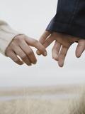 Couple Holding Hands Reproduction photographique