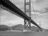 View of Golden Gate Bridge Reproduction photographique par  Bettmann