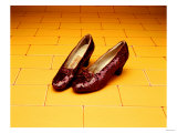 """A Pair of Ruby Slippers Worn by Judy Garland in the 1939 MGM film """"The Wizard of Oz"""" Giclée-Druck"""