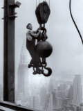 Ouvrier sur l'Empire State Building Affiches