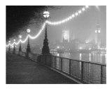 Fluss Themse bei Nacht Kunstdrucke von Shener Hathaway