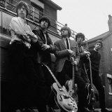 The Rolling Stones: Gruppen afbildet med guitarer Fotografisk tryk
