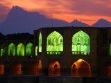 Khaju Bridge, Built in 1650 by Shah Abbas, Esfahan, Esfahan, Iran Reproduction photographique par Mark Daffey