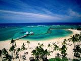 Waikiki Beach Fronting the Hilton Hawaiian Village Hotel, Honolulu, U.S.A. Lámina fotográfica por Ann Cecil