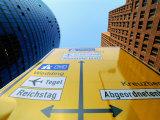 Traffic Sign Between Sony Center (Left) and Another High-Rise, Potsdamer Strasse, Berlin, Germany Lámina fotográfica por Martin Moos