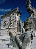 Mayan Ruins at Chichen Itza Site, Chichen Itza, Yucatan, Mexico Lámina fotográfica por Eric Wheater
