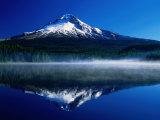 Mt. Hood Over Trilium Lake, Mt. Hood, USA Fotografisk tryk af John Elk III