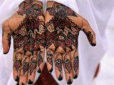 Person Displaying Henna Hand Tattoos, Djibouti, Djibouti Fotografisk tryk af Frances Linzee Gordon