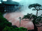 Steam Rising from Hot Spring and Baths (Or Jigoku Meaning Hells), Beppu, Kyushu, Japan Lámina fotográfica por Tony Wheeler