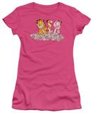 Juniors: Garfield - Chicks Dig Flowers T-Shirt
