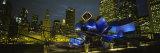 Buildings Lit Up at Night, Pritzker Pavilion, Millennium Park, Chicago, Illinois, USA Fotografisk tryk