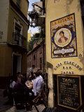 Tapas Bar, Barrio Santa Cruz, Seville, Andalucia, Spain Reproduction photographique par Jean Brooks