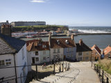 Old Town and River Esk Harbour from Steps on East Cliff, Whitby, North Yorkshire Reproduction photographique par Pearl Bucknall