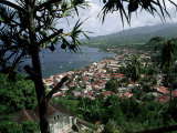 Coast and Town of Saint Pierre from the Mouillage Area, Northwest Coast, Martinique, West Indies Reproduction photographique par Bruno Barbier