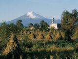 The Volcano of Popocatepetl, Puebla State, Mexico, North America Lámina fotográfica por Robert Cundy