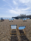 Deck Chairs and Pier, Brighton Beach, Brighton, Sussex, England, United Kingdom Reproduction photographique par Ethel Davies