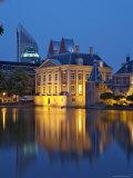 Mauritshuis at Night, Lake Hof Vijver, Den Haag, the Hague, Holland (The Netherlands) Impressão fotográfica por Gary Cook