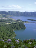 View Over Crater Lake, Sete Citades, San Miguel, Azores Islands, Portugal, Atlantic Impressão fotográfica por David Lomax