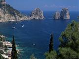 Faraglioni Rocks, Capri, Campania, Italy, Mediterranean Impressão fotográfica por G Richardson