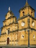 La Recoleccion Church, Leon, Nicaragua, Central America Impressão fotográfica por G Richardson