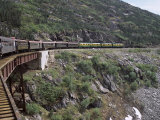 Train, White Pass Railway, Skagway, Alaska, United States of America (Usa), North America Impressão fotográfica por G Richardson