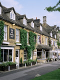 The Old Stocks Hotel, Stow-On-The-Wold, Gloucestershire, the Cotswolds, England Fotografisk tryk af Roy Rainford