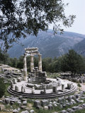 The Tholos, Delphi, Unesco World Heritage Site, Greece Lámina fotográfica por Christina Gascoigne