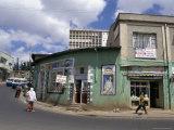 Street Scene, Addis Ababa, Ethiopia, Africa Fotografisk tryk af Jane Sweeney