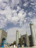 Pilgrims at the Shrine of Hazrat Ali, Who was Assassinated in 661, Mazar-I-Sharif, Afghanistan Lámina fotográfica por Jane Sweeney