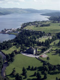 Aerial View of Inverary Castle and Loch Fyne, Inverary, Scotland, United Kingdom Reproduction photographique par Adam Woolfitt