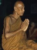 Buddhist Monk Meditating, Wat Suntorn, Bangkok, Thailand, Southeast Asia Reproduction photographique par John Henry Claude Wilson
