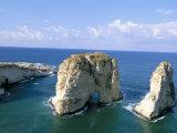 Rock Arches, Beirut, Lebanon, Mediterranean Sea, Middle East Reproduction photographique par Alison Wright