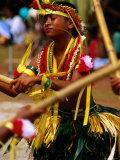 Young Female Stick Dancer, Yap Day Festival Lámina fotográfica por John Elk III