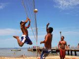 Beach Volleyball on Playa de Los Muertos, Mexico Fotografisk trykk av Anthony Plummer