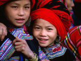 Ethnic Red H'mong of Northern Vietnam Are Known for Their Big Hair, Muong Hum, Lao Cai, Vietnam Lámina fotográfica por Stu Smucker