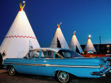 Wigwams and Old Car, Wigwam Motel, Route 66, Holbrook, Arizona Premium-Fotodruck von Witold Skrypczak