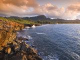 Poipu Beach, Cliffs, Kauai, Hawaii Fotografisk tryk af John Elk III