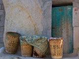 Doorway with Basket of Grapes, Village in Cappadoccia, Turkey Fotografisk tryk af Darrell Gulin