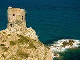 Hiker Approaches Genoan Tower, Cap Corse, Corsica, France Fotografisk trykk av Trish Drury