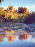 Cathedral Rock Reflecting on Oak Creek, Sedona, Arizona, USA Fotografie-Druck von Christopher Talbot Frank
