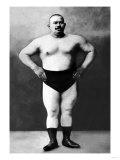 Bodybuilder in Hands on Hips Pose Affiches
