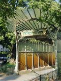 Metropolitain (Metro) Station Entrance, Paris, France, Europe Fotografie-Druck von Gavin Hellier