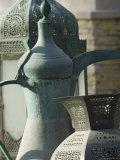 Old Arabian Coffee Pot and Jars, Dubai, United Arab Emirates, Middle East Valokuvavedos tekijänä Amanda Hall