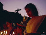 Christian Devotee, St. Francis Xavier Exposition, Goa, India Lámina fotográfica por David Beatty