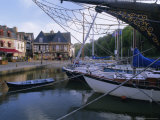 Waterfront and Port Area of Saint Goustan (St. Goustan), Town of Auray, Brittany, France Reproduction photographique par J P De Manne